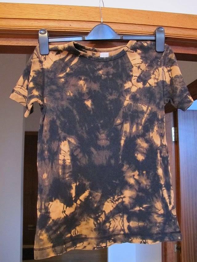 Diy bleach dye t shirt greenie dresses for less for How to bleach at shirt