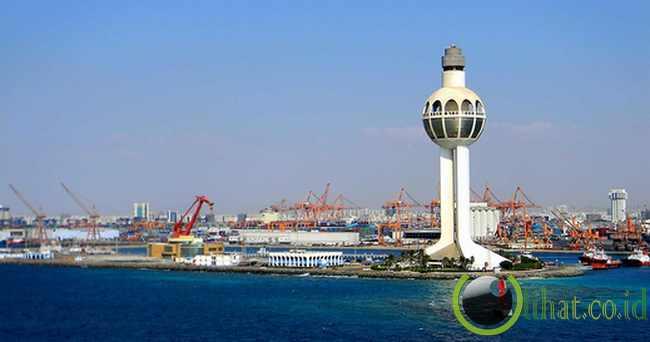 Jeddah Lighthouse - 133 meter