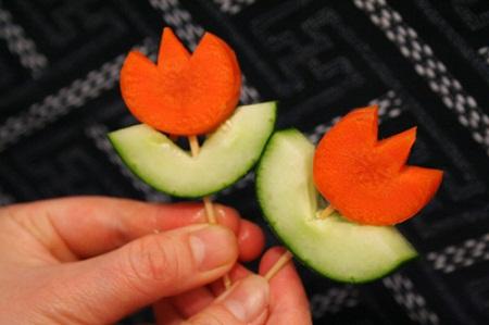Flores con zanahoria ideas para presentar for Decoracion de ensaladas