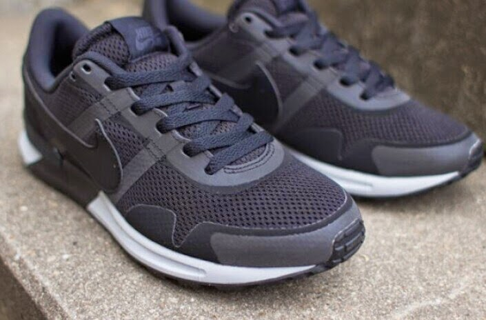 super popular 0e88f d85b7 Although introduced a lot of color, but the Pegasus eighty three-eightieths  the exception of black ash low profile. Black shoes and white, as is the  classic ...