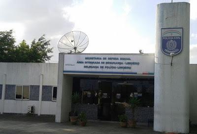 Polícia prende dois suspeitos de tráfico de drogas em Limoeiro