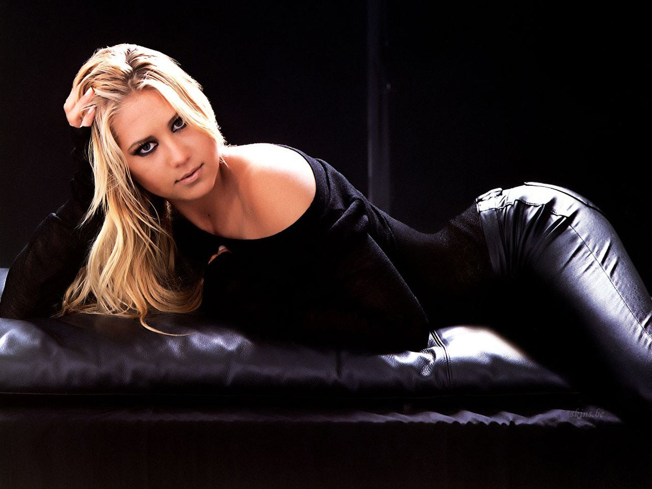hollywood stars anna kournikova hot wallpapers 2012
