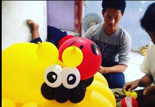 membuat balon Coloumn