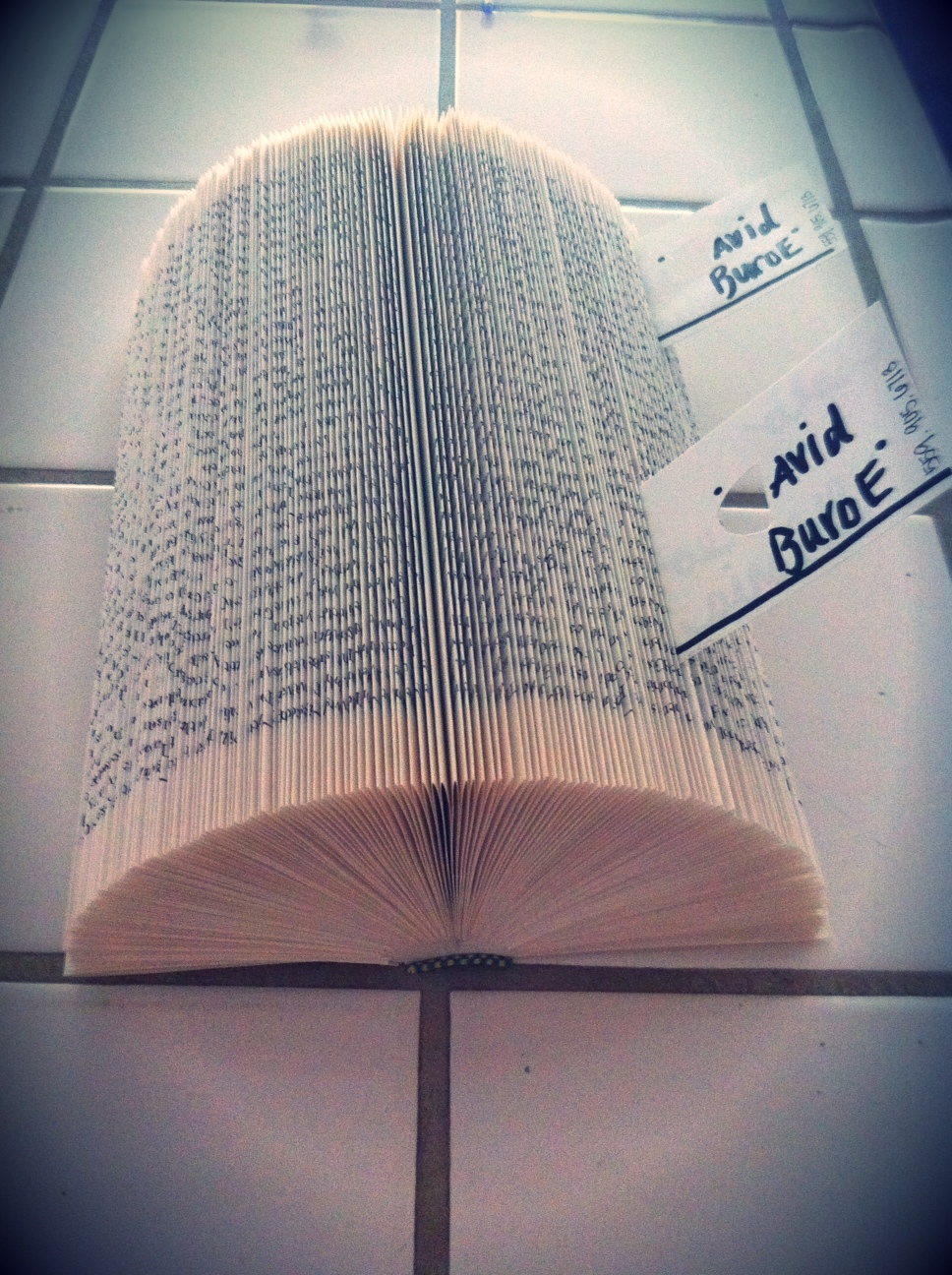 Le Petite Sweet: Upcycled book card holder
