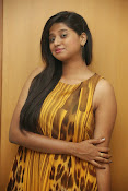 Actress Shalini latest glam pics-thumbnail-9