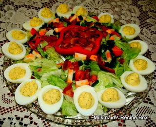 ♪ Eggs… Around The Salad!  ♪