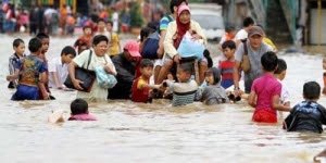 Tips Agar tetap Sehat saat Banjir
