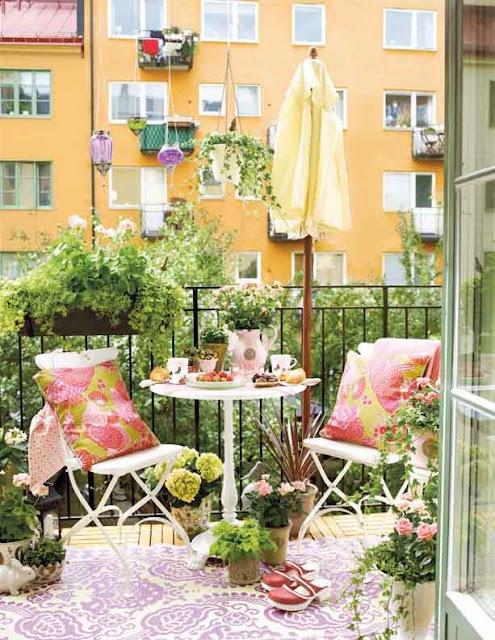 Selbermachen von Kissen, Decken, Wimpelketten für den Balkon