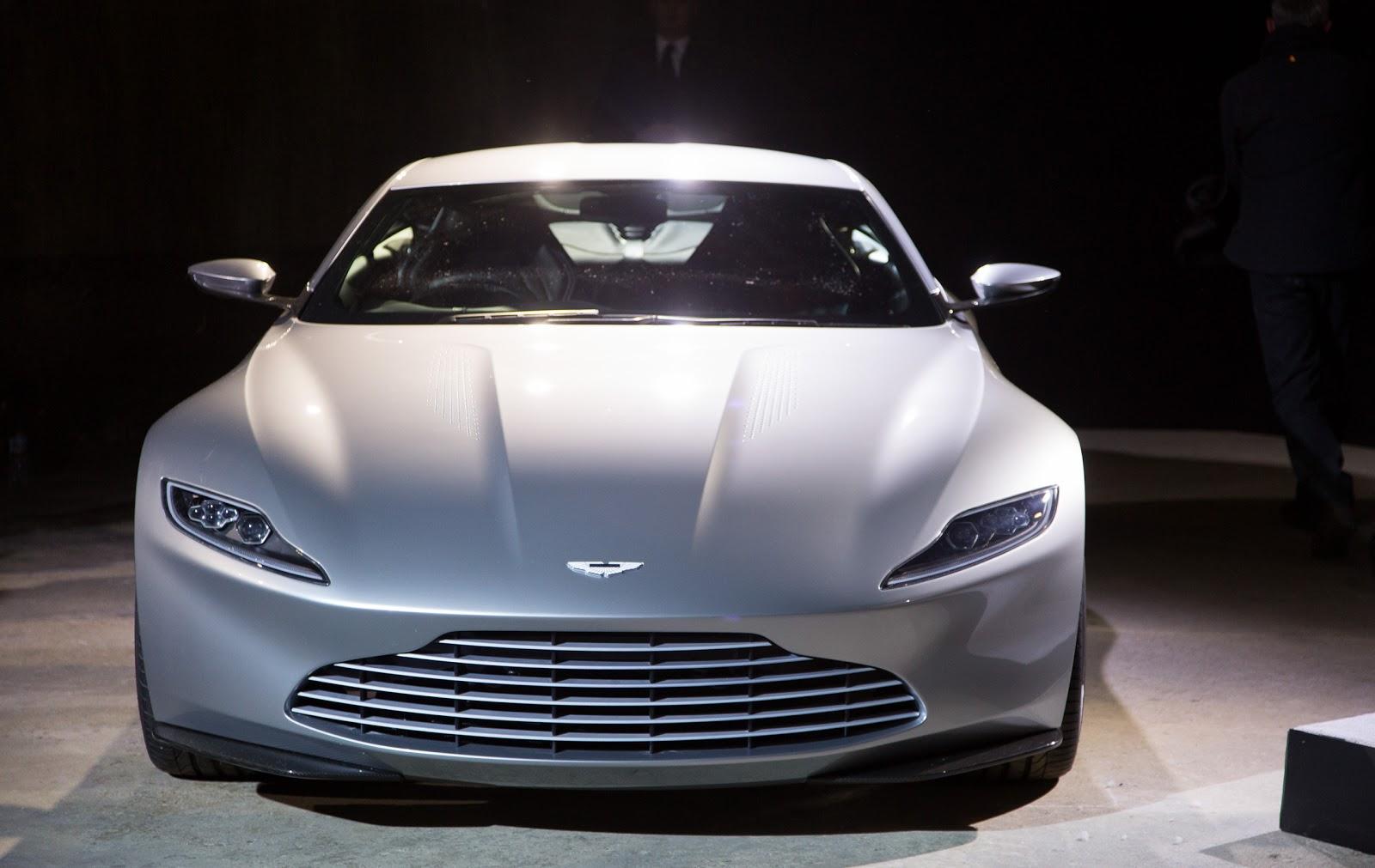 SPECTRE Aston Martin DB 10