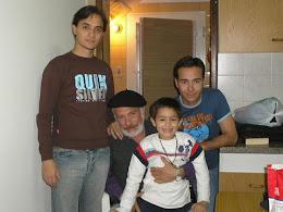 Mis hijos Icha y Santiago y mi nieto Juancito