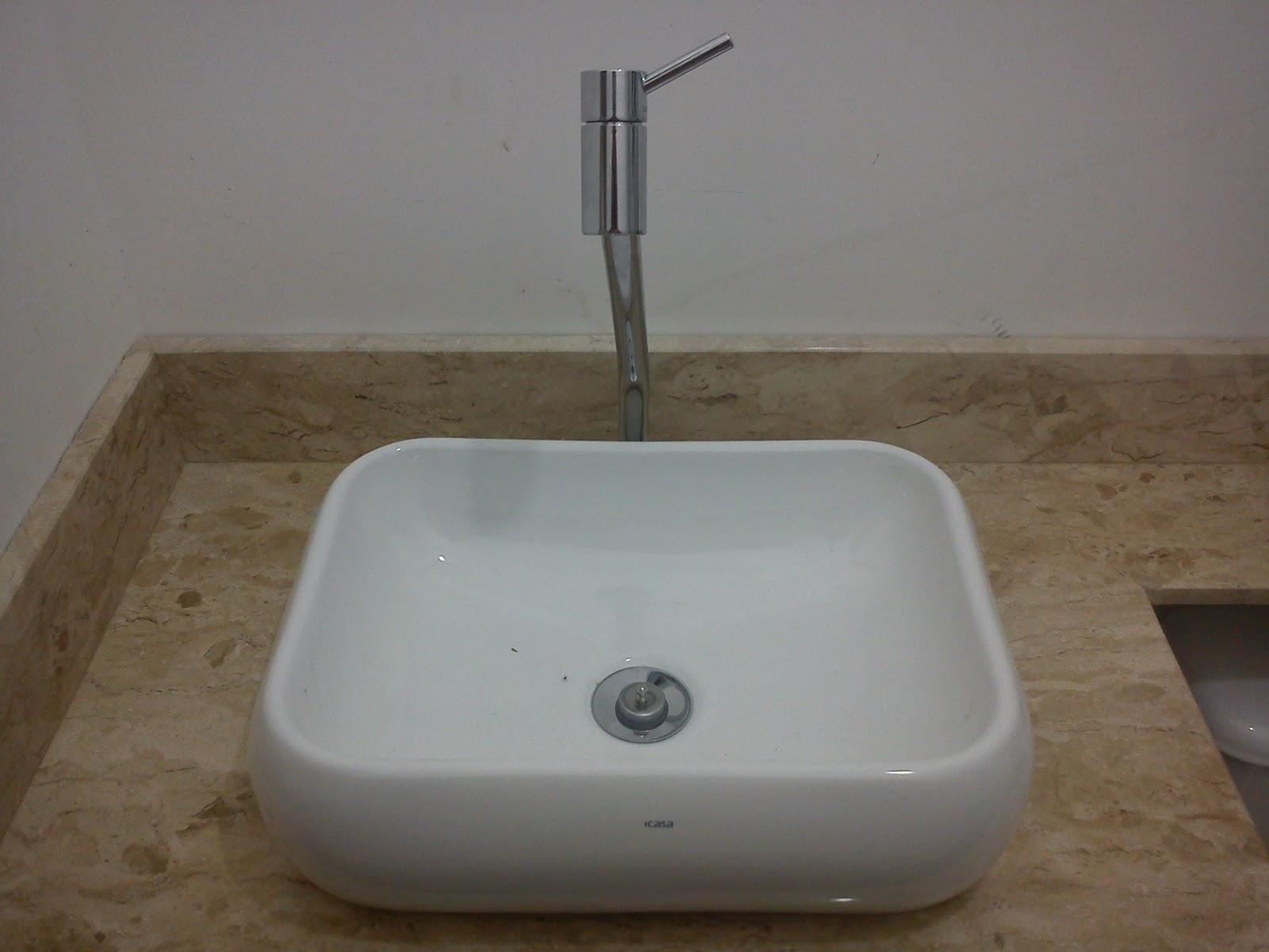 Villa Flora 81 Pia dos banheiros e torneiras -> Pia De Marmore Travertino Para Banheiro