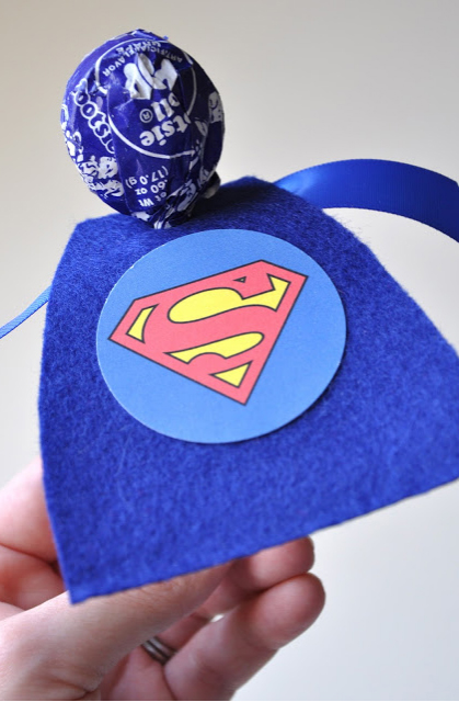 superheroes+cape+lollipop Party Simplicity Comic Book Super Heroes Boys Party Ideas