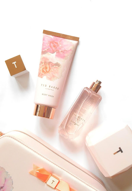 Ted Baker Pink Beauty Bag review