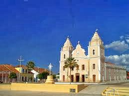 http://1.bp.blogspot.com/-lo9wkIm-jK4/UkRO-JshRCI/AAAAAAAAdIg/NpoamRwl8qE/s1600/igreja+do+padroeiro.jpg