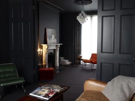 Donkere Woonkamer Inrichten : Donkere kleuren woonkamer