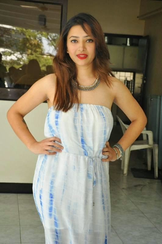 Shweta Basu Hot Latest Stills