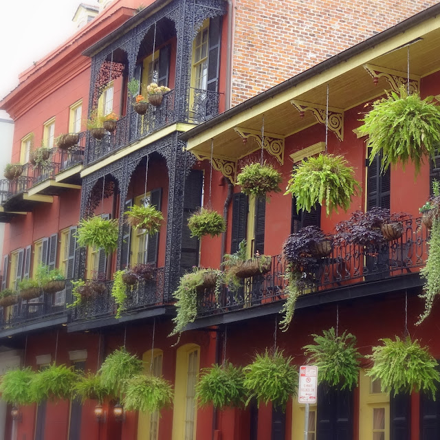 New Orleans Bohemian Guesthouse, Balconies