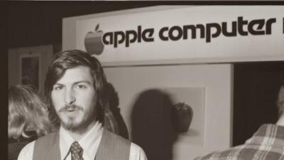 Steve Jobs Infancia y Juventud