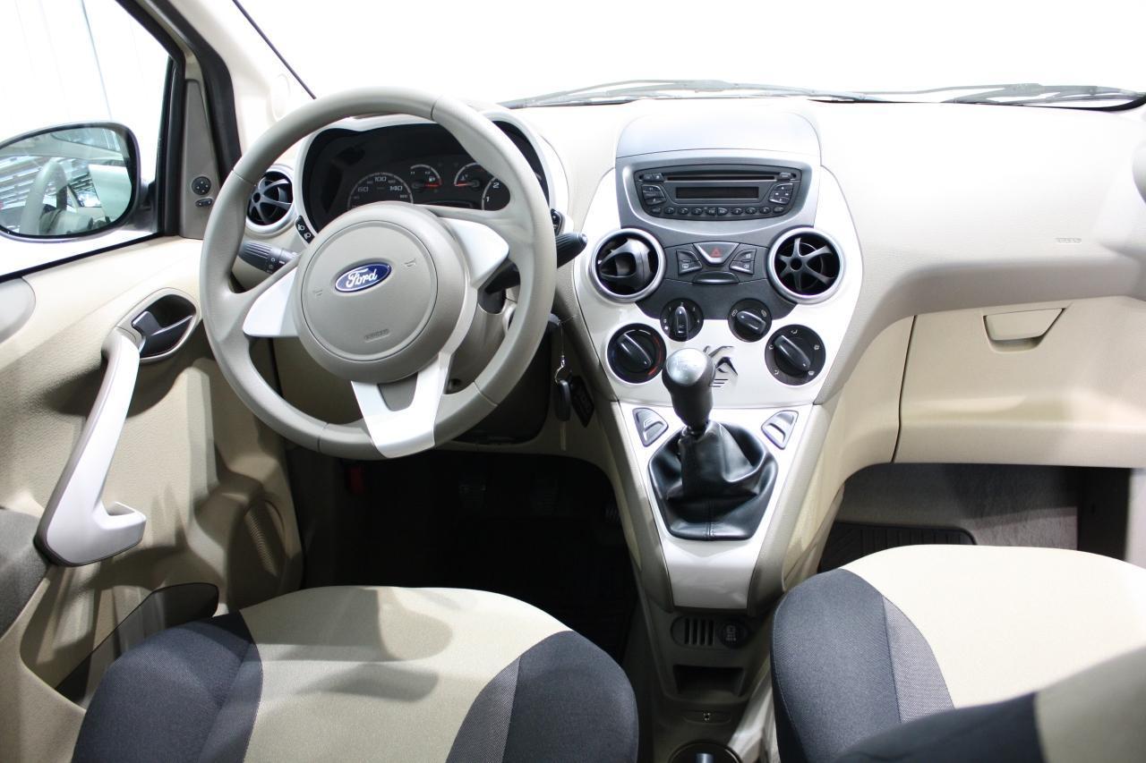novo ford ka j na europa a partir de r 20 mil car blog br. Black Bedroom Furniture Sets. Home Design Ideas