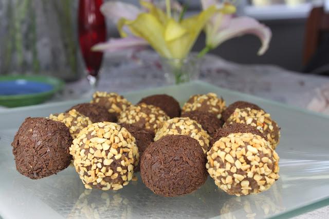 Chocolate balls  كرات الشوكولاتة
