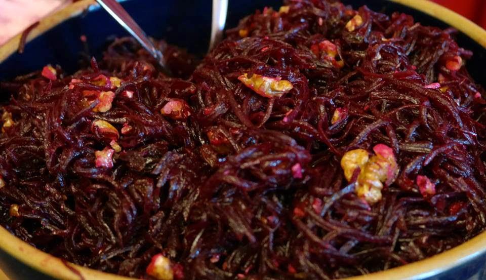 Зимний салат из свеклы с грецкими орехами