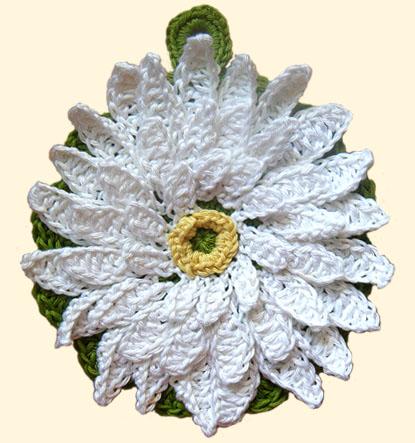 Free Crochet Pattern - Poinsettia Panholder from the