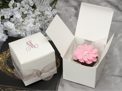 Large+Cake+Box+With+Rose+Foil+Lettering
