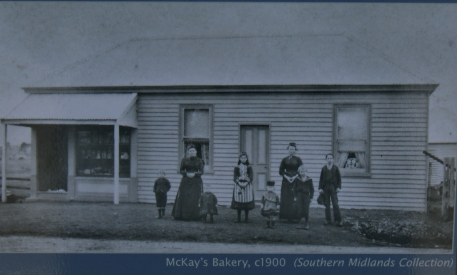 On the convict trail mckay 39 s bakery kempton for Classic house bakery