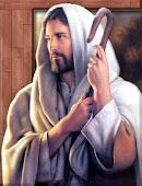 """""""Aquele que crê em mim nunca estará sozinho.""""               Jesus Cristo"""