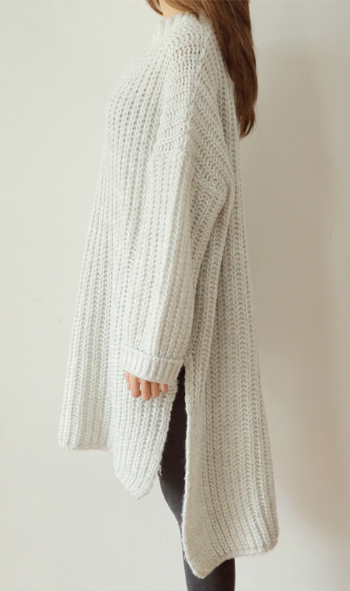 Knee-Length V-Neck Knit Pullover