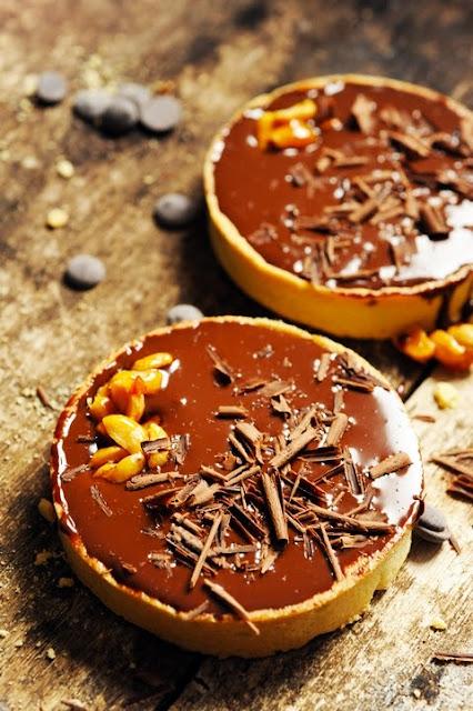 Tartelettes caramel cacahuètes et chocolat et BatailleFood parce que ça faisait bien longtemps que je n'avais pas joué à cuisiner juste pour le plaisir !