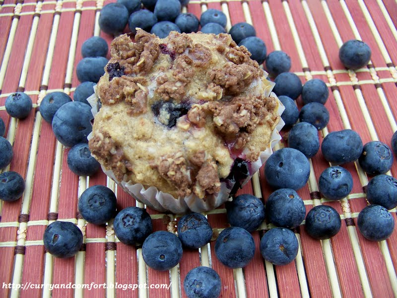 "... : ""Healthy"" Blueberry Muffins with Cinnamon Crumble and Lime Glaze"