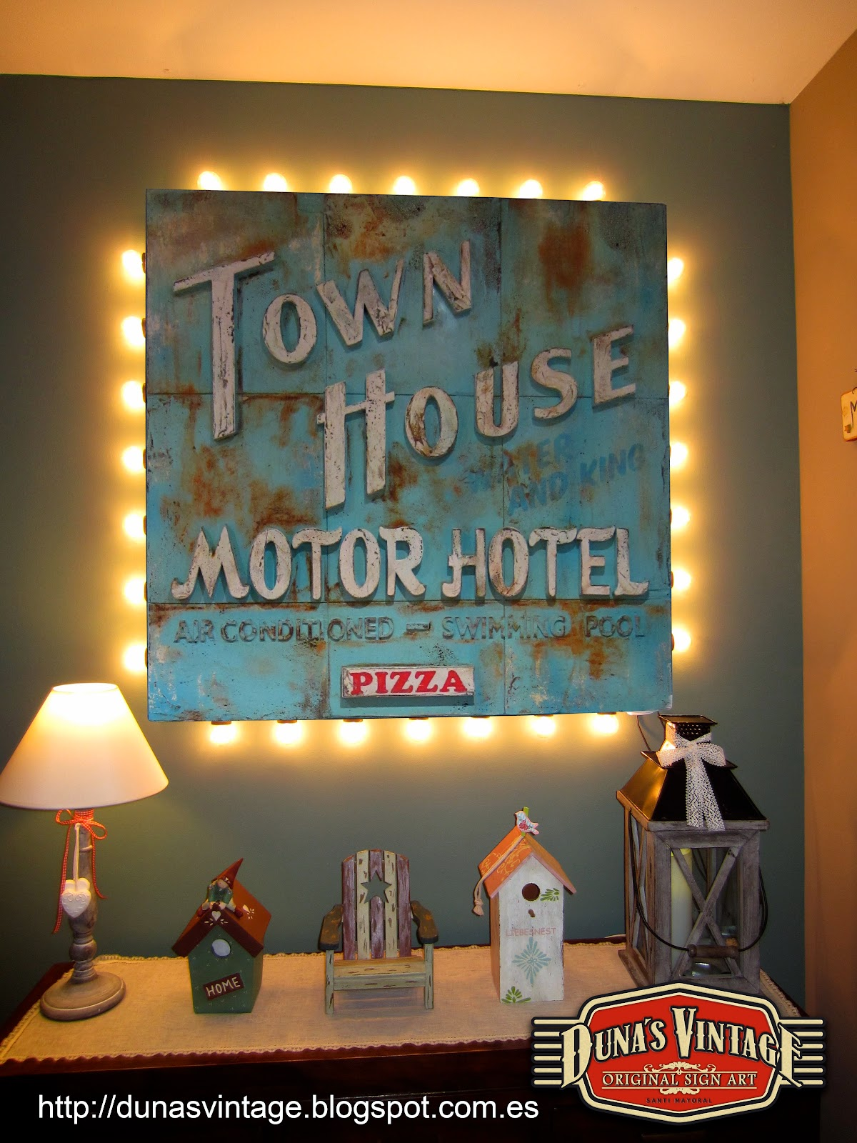 Duna s vintage abril 2014 for Town house motor inn