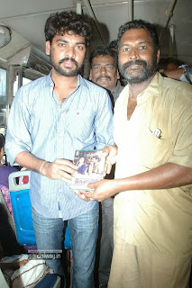 Jannal-Oram-Audio-Launch-at-Chennai-Bus-Stops