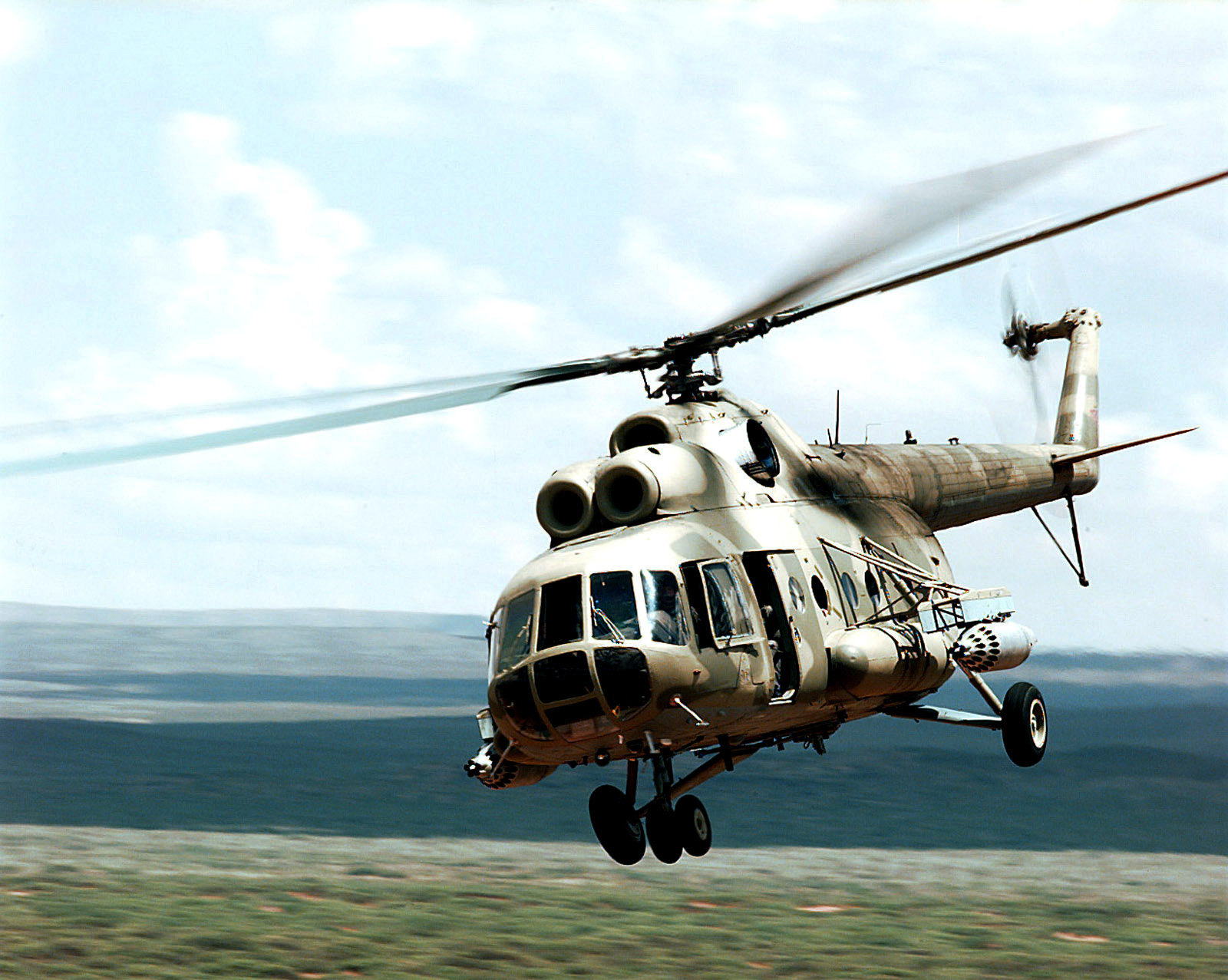 Elicottero Mi 8 : Mi hip multi role transport helicopter jet fighter picture