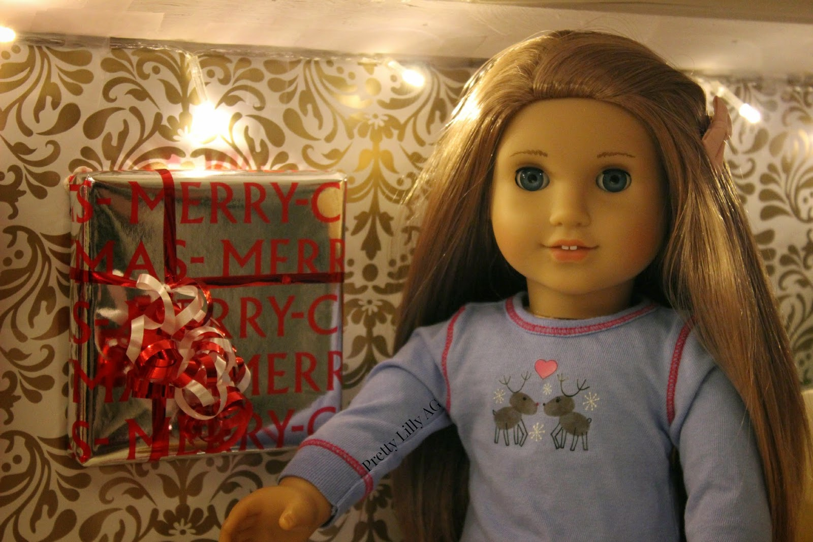 How to make christmas decorations for your ag doll - First Diy Kenna Wrapped A Square Shaped Object In With Some Holiday Wrapping Paper She Putted A Bow Around It And Voil You Have A Present Hanging On