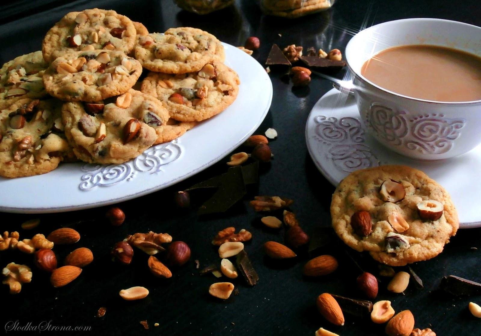 Amerykańskie Ciasteczka z Orzechami i Czekoladą - Chocolate Chip Cookies