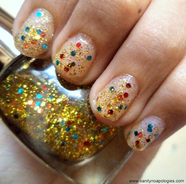 gold glitter nail art