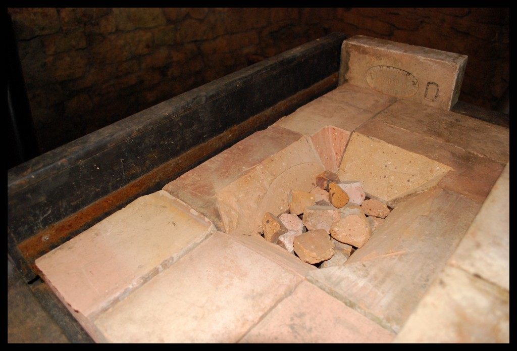 3kg sous terre travaux d 39 atelier jours 8 9 10 11 12 for Brique refractaire pour foyer