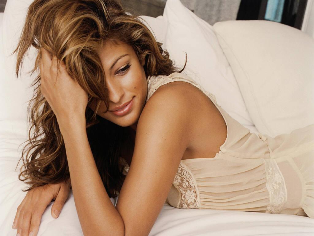 http://1.bp.blogspot.com/-lr6wy2gl56A/TkkCbNBe2oI/AAAAAAAACRo/CwDNZzT-x-E/s1600/Eva+Mendes+Beautiful+Model.JPG