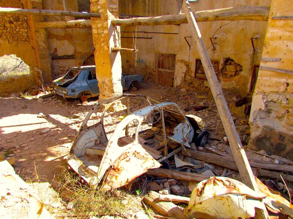 Abandoned Bombed Town: Belchite - Spain   URBAN EXPLORATION