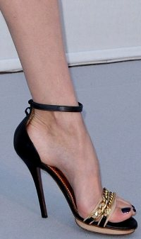 Doutzen Kroes Feet and Arches