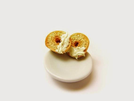 Aksesoris Imut dari Berbagai Bentuk Miniatur Penganan