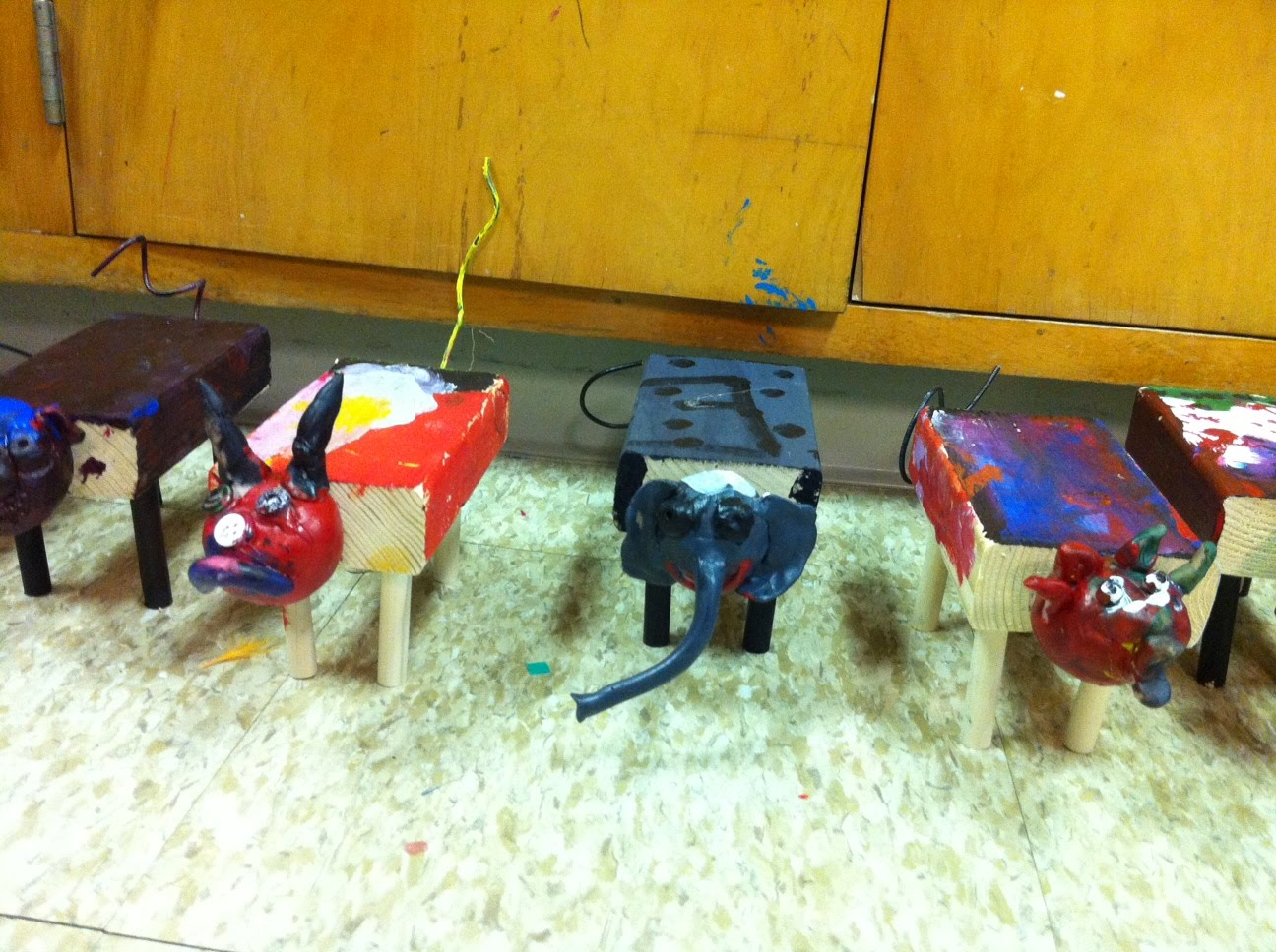Crafts For Second Graders http://bradensartstars.blogspot.com/2011/02/blog-post_27.html