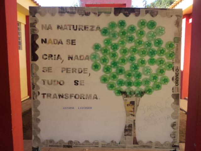 Escola osvaldo painel feito pelo 9 ano a sobre o dia do for Mural sobre o meio ambiente
