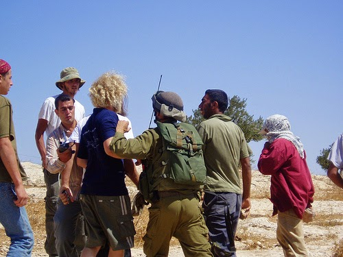 Israeli settlers confront Palestinians, in Susiya, West Bank - Sep 9, 2009