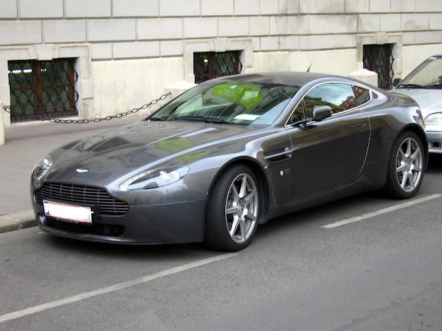 Aston Martin V8 Vantage Driving Experience