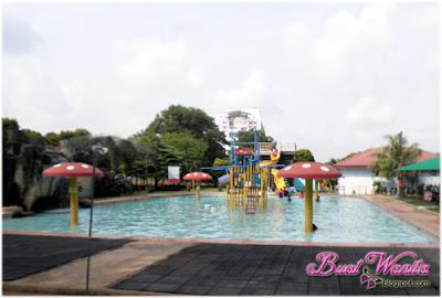 Harga Tiket Taman Buaya Melaka. Tarikan Terkini Taman Buaya. Malaysia Miniature. Water Playground. Rumah Hantu. Keretapi Dinasour. Pertunjukan Buaya. Cultural Show. Tempat Menarik & Best di Ayer Keroh Melaka Malaysia