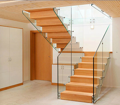 Muebles y carpinteria capita escalera de madera for Escaleras en u