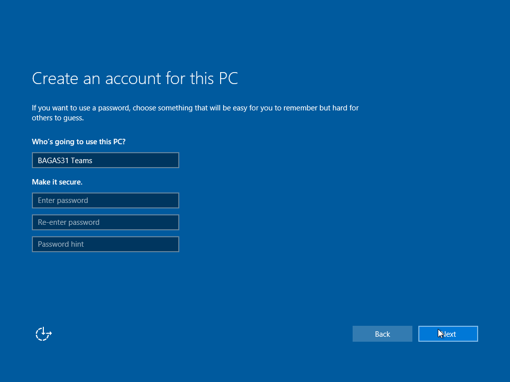 Tunggu loading sebentar, lalu kamu akan diarahkan ke dalam Windows.